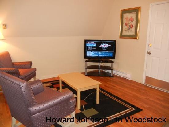 Howard Johnson Inn Woodstock NB: A-Frame Sitting Area