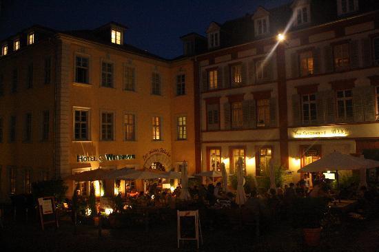 Hotel Zur Alten Brücke: The hotel as seen from the Alte Bruecke.