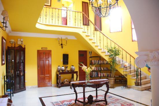 Casa Arequipa: The beautiful lobby