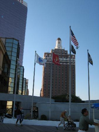 Bally's Atlantic City : The Claridge tower