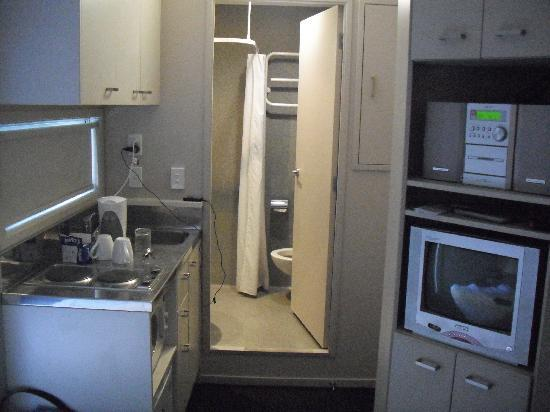 New meaning for compact picture of ibis budget auckland Kitchenette meaning