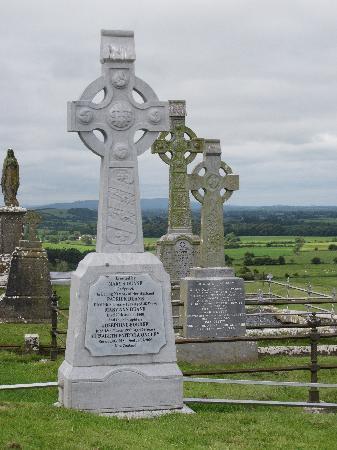 ร็อคออฟคาเชล: Cemetery Rock of Cashel