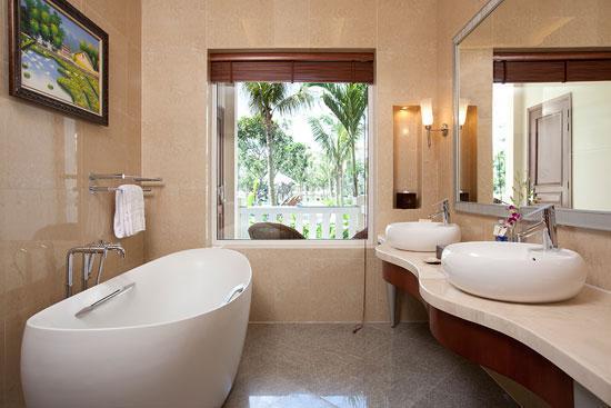 Vinpearl Luxury Da Nang: Bathroom