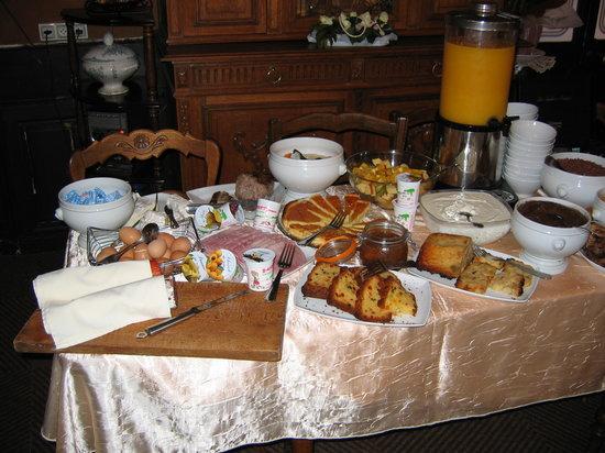 La Colonne de Bronze : Le buffet petit-déjeuner