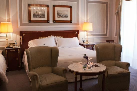 Hotel Maria Cristina, a Luxury Collection Hotel, San Sebastian: Bedroom