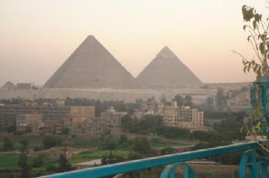 Delta Pyramids Hotel: view from roof
