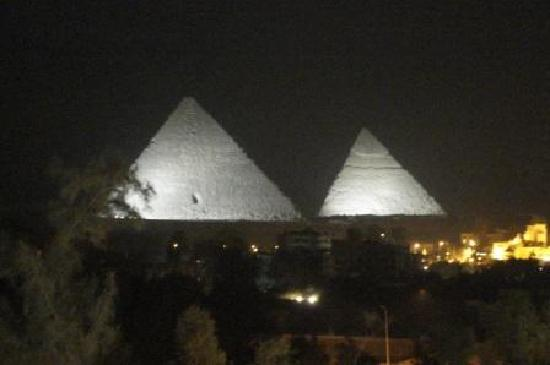 Delta Pyramids Hotel: sound n light show from room