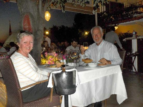 Ottoman Hotel Imperial: The outdoor dining was fabulous.