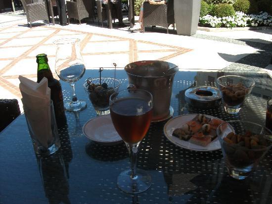 Le Bar de l'Hotel Barriere Le Normandy Deauville: Un moment de détente (l'abus d'alcool est dangereux pour la santé)