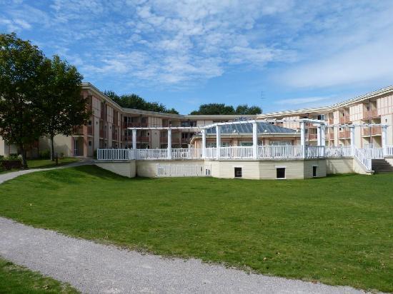 Pierre & Vacances Residenz Les Jardins de la Cote d'Opale: Arrière du bâtiment