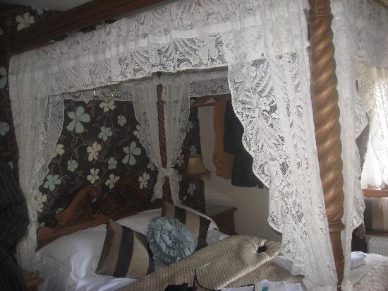 Rosebud Cottage Guest House : Tapestry Room
