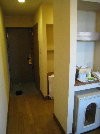 Nasu Shiobara Station Hotel: 室内からドア方向