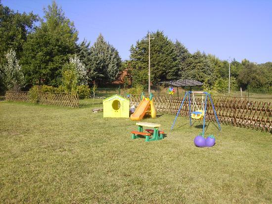 Agriturismo Podere Borgobello: area giochi per i piccoli