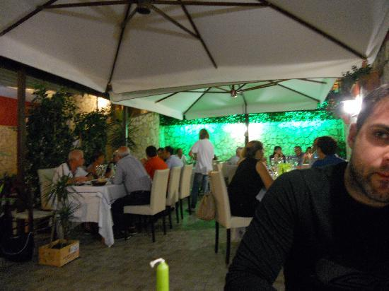 Nocera Superiore, Italië: la sala esterna