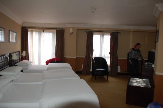 Paramount Hotel Temple Bar: 3-Bett-Zimmer im 4. Stock