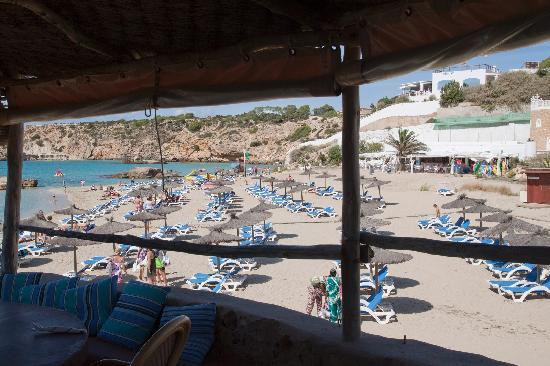 Ses Eufabies : Beach View