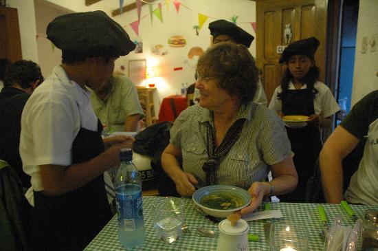 KIDS Restaurant: Serving soup course