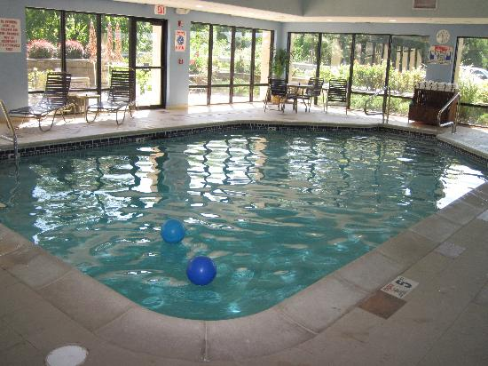 Hampton Inn Columbia: Pool