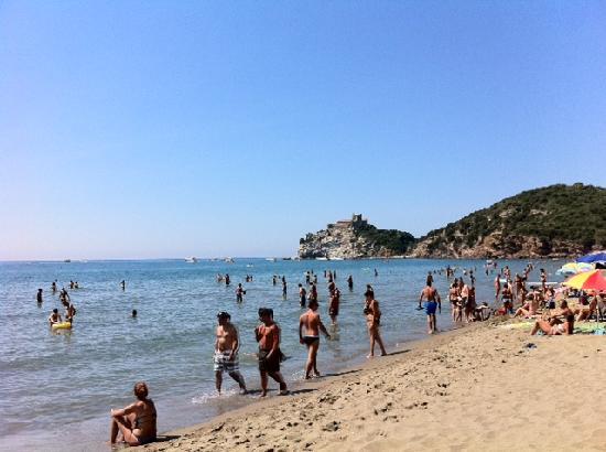 Castiglione Della Pescaia, Italie : Spiaggia Rocchette dai bagni Alessandro
