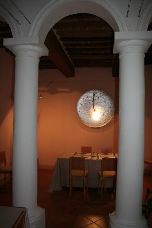 Relais Villa Grazianella - Fattoria del Cerro: Antica cappella ora parte della zona pranzo