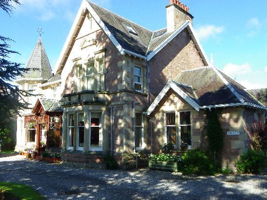 Chrialdon House : The house
