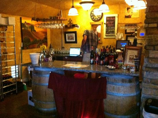 Rusty Grape Vineyard Restaurant: Here is where you make your wine selections