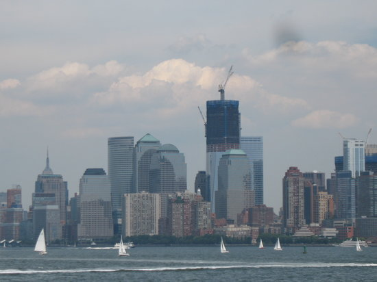 OnBoard New York Tours: Skyline of manhatten, new world trade center