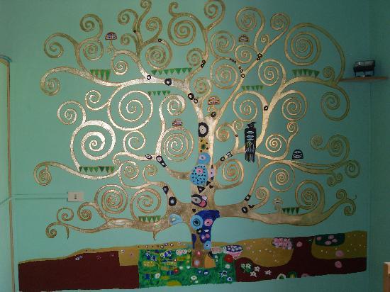 Ridolfi Guest House: La chambre avec l'arbre
