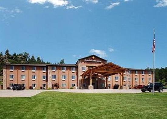 Comfort Inn & Suites Custer: Front View