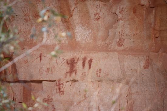 Bright Angel Trail: GC Petroglyphs