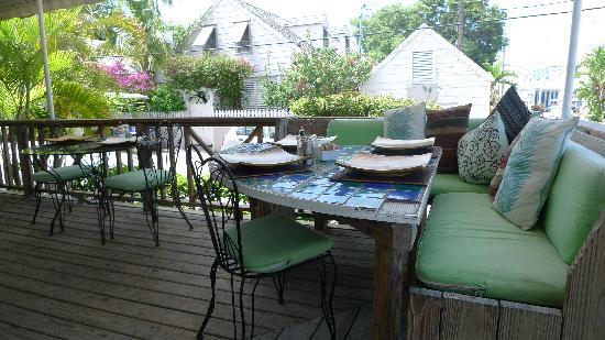 Dunmore Deli : tavoli all'aperto