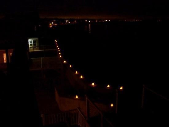 Oceanside Inn: Luminaries
