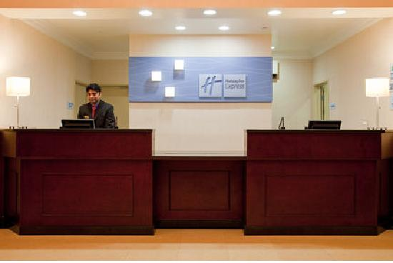 Holiday Inn Express Hotel & Suites Los Angeles Airport Hawthorne: Front Desk