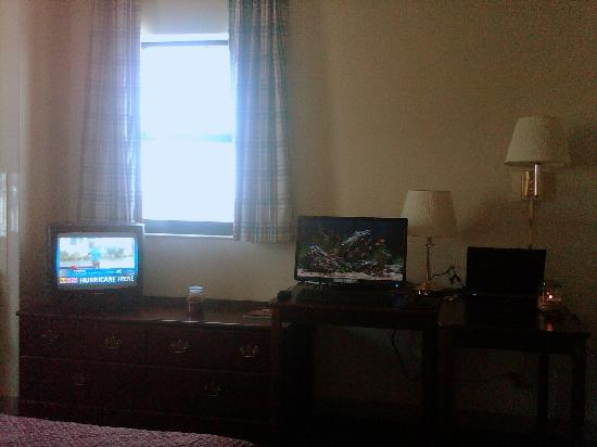 Extended Stay America - Waco - Woodway: old school tv, monitor not included! :)