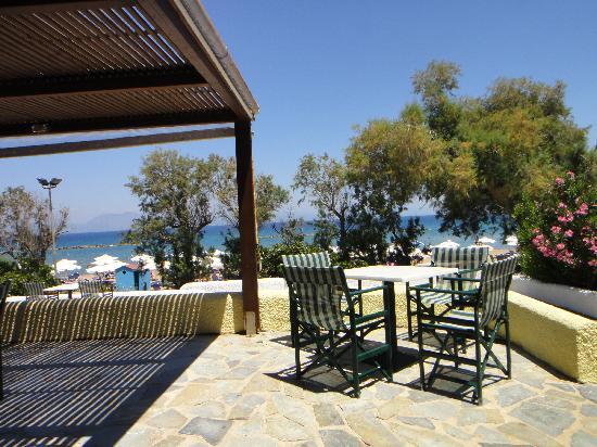 Grecotel Lakopetra Beach: Tavern for lunch near the sea.