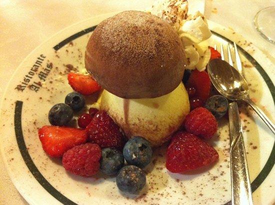 Baselga di Pine, Italy: Il Dessert - Fungo