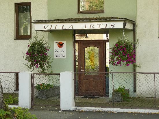 Villa Artis: hotels entrance