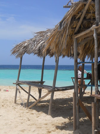 Punta Rucia, República Dominicana: Just Shade, Sand, Water, Coral and Fish