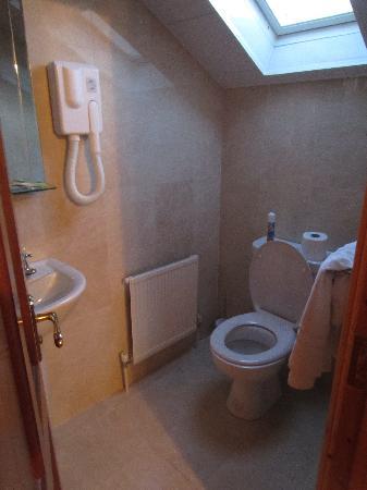Rockcrest House: Bathroom