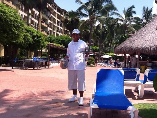 Velas Vallarta : Best Pool Area Waiter - Jacinto