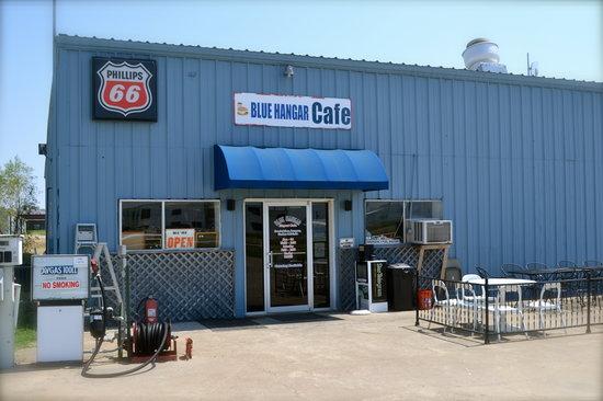 Blue Hangar Cafe: Blue Hangar front