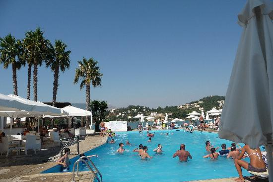Louis Corcyra Beach Hotel: beachside pool