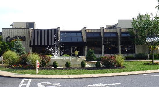 Garfield's Restaurant: exterior