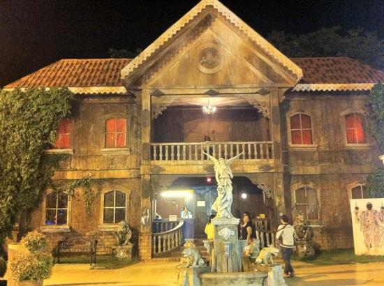 Dapitan City, Philippines : its really scary inside