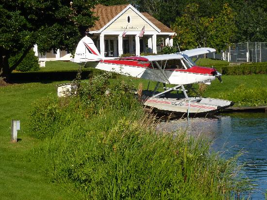 Madden's on Gull Lake: Seaplane flight training is available