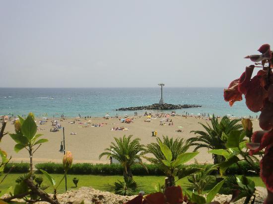 Piccolo: Playa de Las Vistas desde la terraza (de pie)