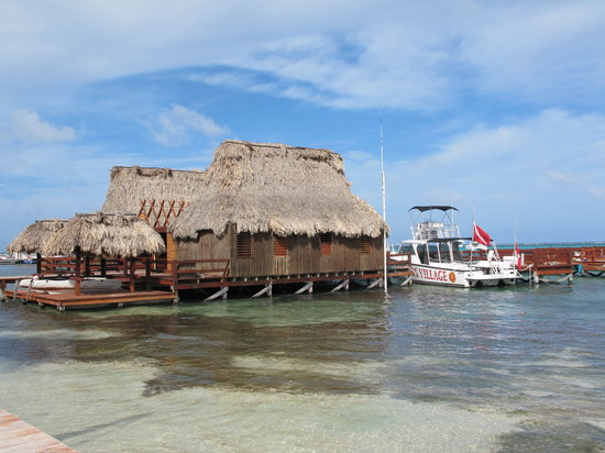 Ramon's Village Resort: Vue du ponton