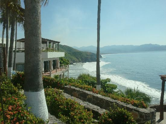 Punta Serena: View of the beach from the pool area.