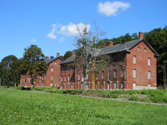 Peddock's Island : Barracks