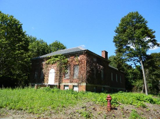 Peddock's Island : Gymnasium